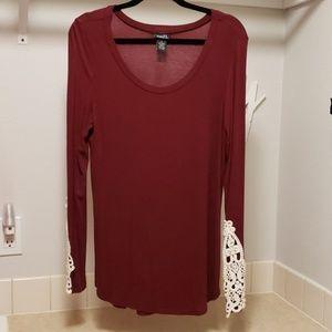 Rue 21 long sleeve top in burgundy large